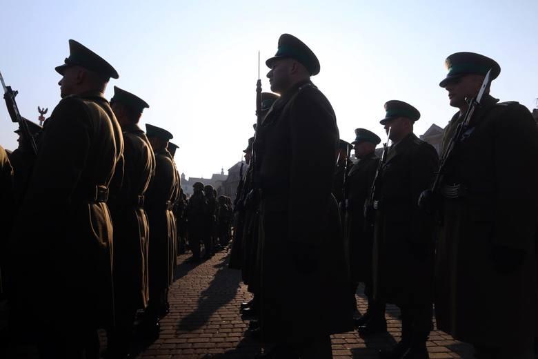 Nowe proponowane stawki uposażenia zasadniczego w wojskuZobacz też: Tak mówią w wojsku. Krótki test