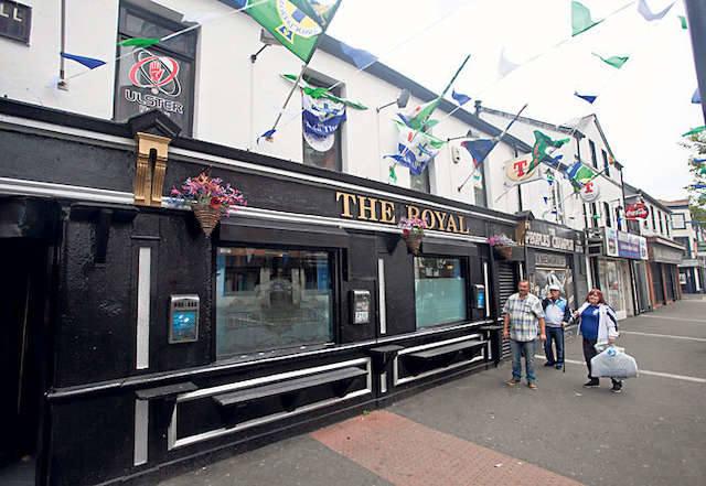 Pub The Royal w Belfaście jest już od kilku dni przygotowany na Euro