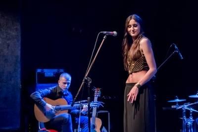 Izabela Szafrańska (śpiew) i Paweł Sokołowski (gitara klasyczna)