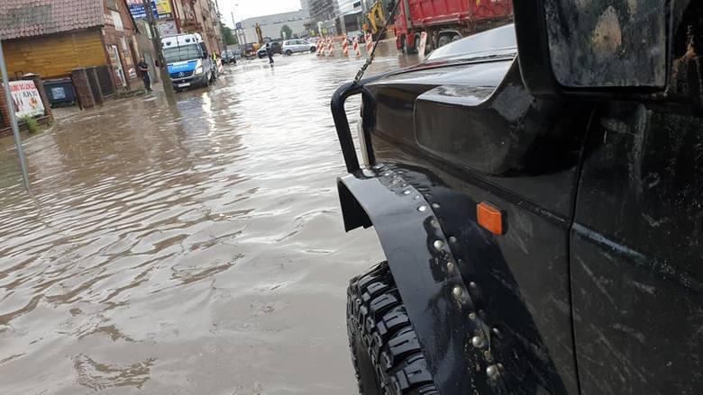Białystok pod wodą. Zdjęcia pochodzą z fanpejdża Kolizyjne Podlasie