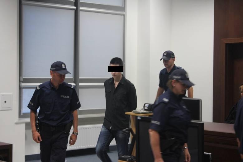 Morderstwo w Rakowiskach: Rusza proces w sprawie pozbawienia Kamila N. spadku po rodzicach