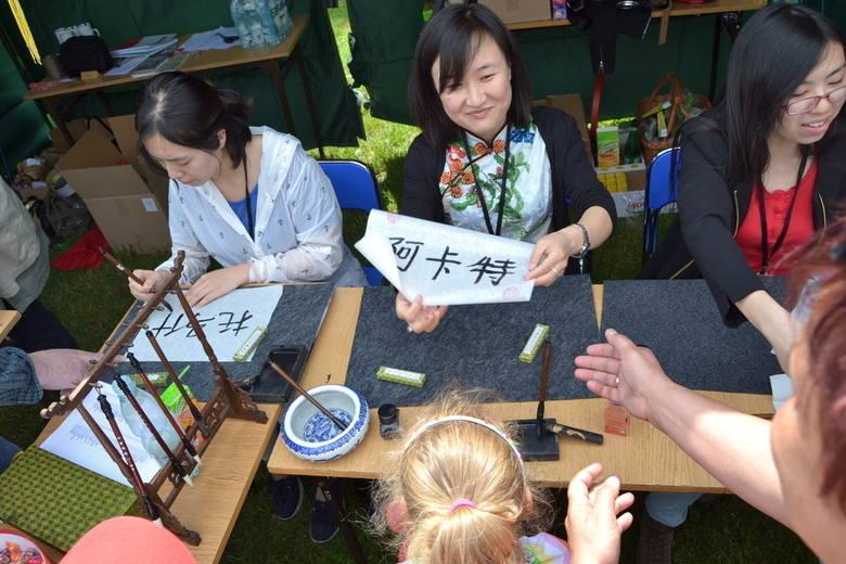 W niedzielę na błoniach Politechniki Opolskiej odbywał się z kolei piknik naukowy w ramach XII Opolskiego Festiwalu Nauki. Dla opolan przygotowano wiele