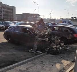 Pożar wybuchł około godziny 4.30 na parkingu w pobliżu bloków. Trwa wyjaśnianie przyczyn pożaru.    Jak mówi dyżurny Komendy Miejskiej Państwowej Straży