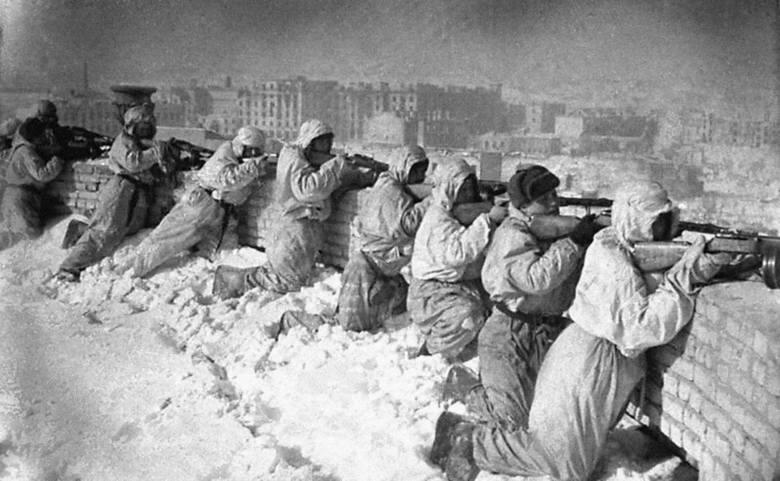Jedna z najlepszych książek Beevora opowiada o tym, jak wyglądały walki o Berlin w 1945 r.