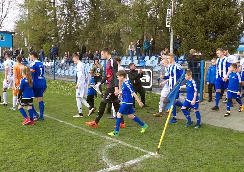 Sokół Sieniawa pokonał JKS Jarosław i zdobył Okręgowy Puchar Polski [ZDJĘCIA]