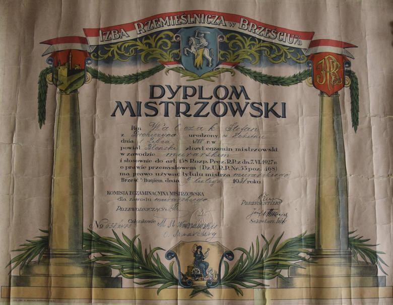 9 lutego 1931 murarz Stefan Walczak złożył egzamin mistrzowski przed komisją egzaminacyjną Izby Rzemieślniczej w Brześciu.<br />