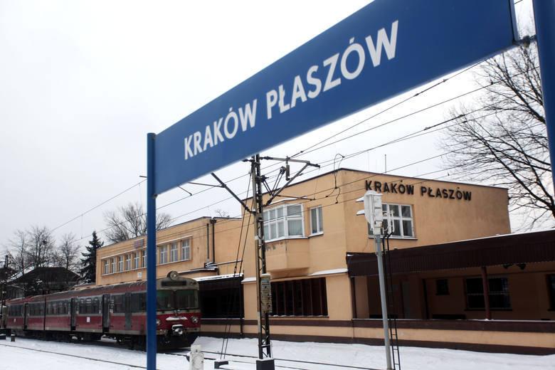 Zaniedbany dworzec kolejowy Kraków Płaszów doczekał się wreszcie remontu. Prace już ruszyły