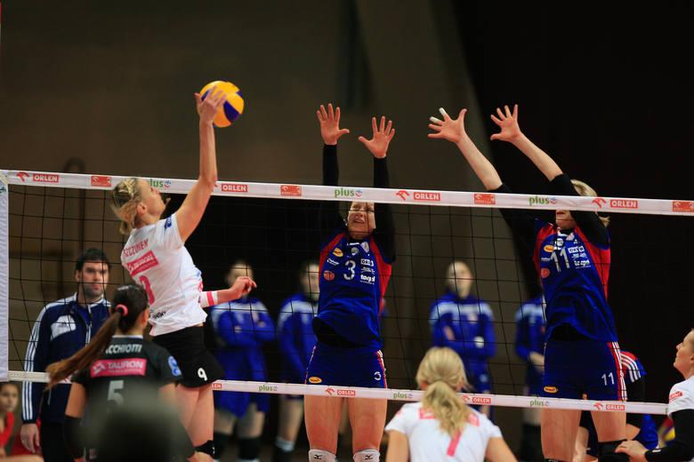 Łódzka drużyna z faworytem ligi mogła wygrać za trzy punkty, ale przegrała 2:3.