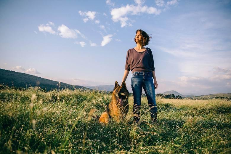 Gdyby tak przenieść się na wieś i zacząć rolnicze życie... Jedni o tym marzą, kiedy czują się zmęczeni miastem, inni opracowują konkretne plany, a obecni