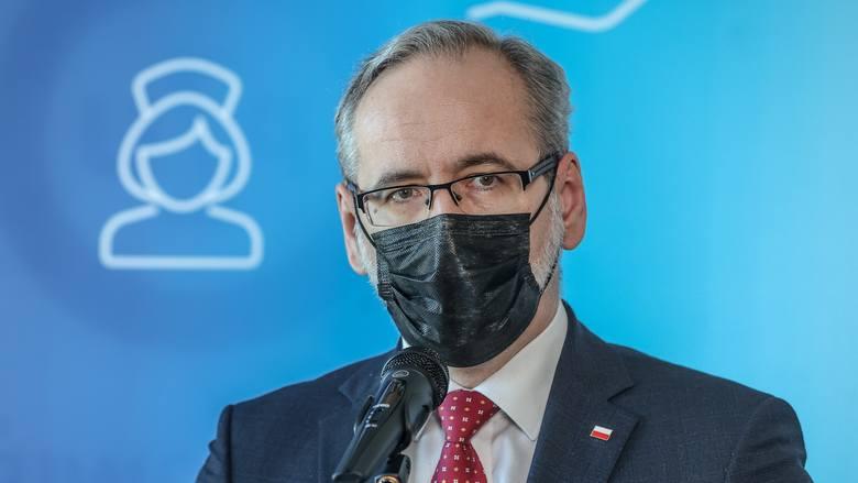 """Minister zdrowia Adam Niedzielski zaprzecza doniesieniom o kolejnych ograniczeniach. """"Dajmy szanse, żeby obostrzenia zadziałały od soboty"""""""