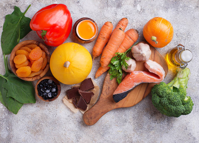 Karotenoidy takie jak beta-karoten, likopen czy luteina i zeaksantyna to antyoksydanty nadające kolor produktom żółtym, pomarańczowym, czerwonym czy
