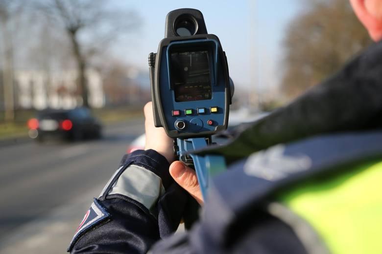 Przez całą sobotę (7 września) trwa ogólnopolski kaskadowy pomiar prędkości. Akcję w całej Polsce prowadzi ponad 5 tys. policjantów. Na ulice wyjadą
