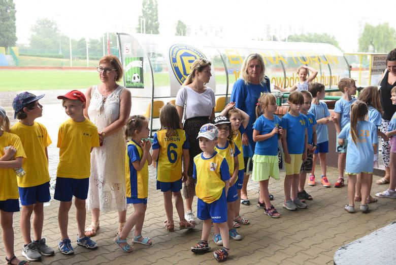 Toruńska Olimpiada Przedszkoli i Szkół zakończona. Młodzi sportowcy z nagrodami [ZDJĘCIA]