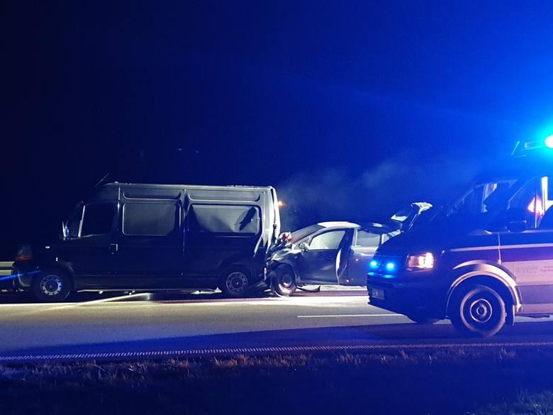 2 samochody zderzyły się na autostradzie A4. Utrudnienia