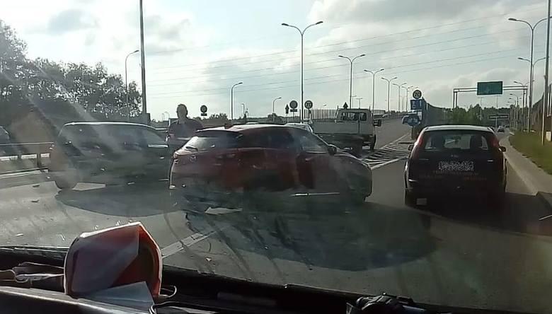 W piątek, po godz. 17, na Andersa w Białymstoku niedaleko Jednostki Ratowniczo-Gaśniczej nr 2 doszło do wypadku