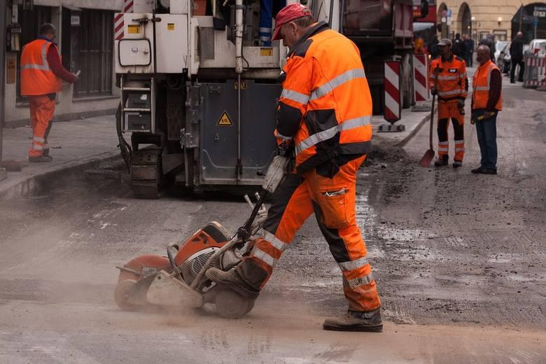 Podlaskie otrzyma w tym roku aż 332,5 mln zł na budowę, przebudowę lub remont dróg gminnych i powiatowych