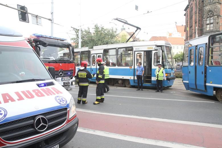 Wypadek tramwajów na Kazimierza Wielkiego. Są ranni