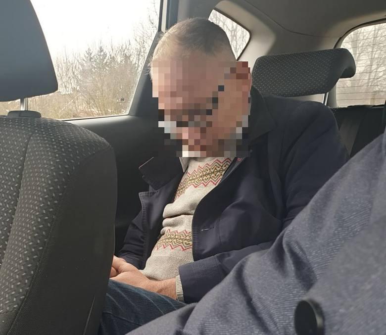 Na kwotę 714 złotych został naciągnięty Robert Lesiak, łódzki taksówkarz, który wiózł pijanego księdza z dworca Fabrycznego pod Radomsko. W trakcie kursu