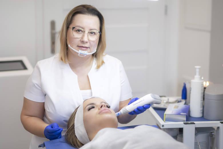 Złota maska, maska z aktywnym węglem, epilacja laserowa. Ciekawe propozycje na Dzień Kobiet od Laser Clinic w Kielcach