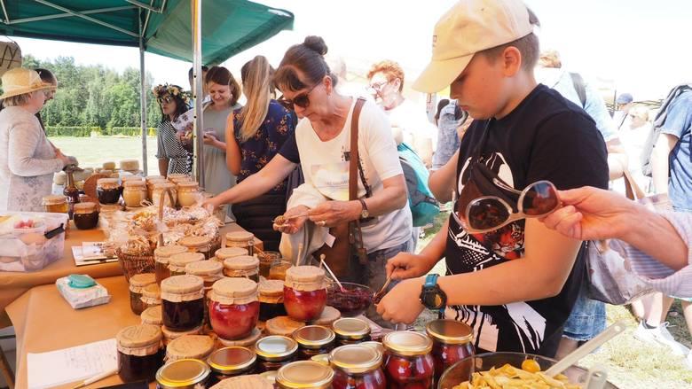 W sobotę w Ogrodach Hortulus Spectabilis w Dobrzycy zorganizowano Kulinarny Festiwal Kwiatów Jadalnych. Na imprezie pojawiło się wielu mieszkańców Koszalina