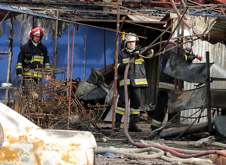 W południe w Osinowie Dolnym eksplodowało stoisko z fajerwerkami.