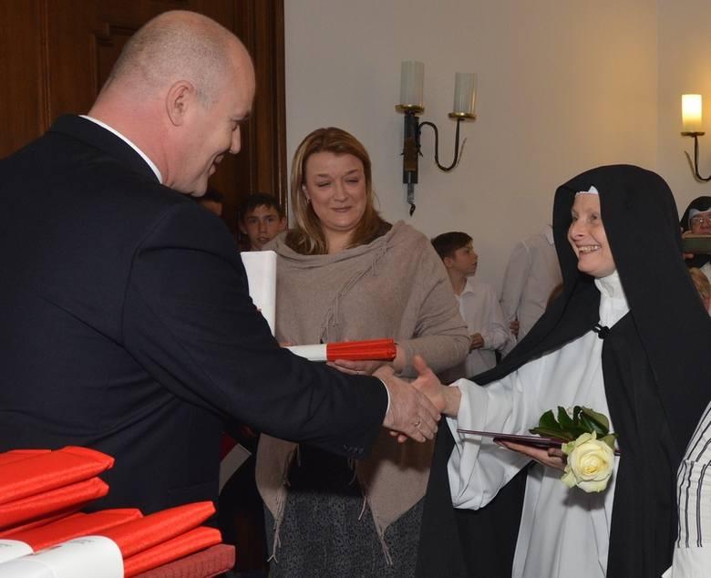 Pochodząca z Czech Eva Hradlickova jest członkinią Klasztoru Mniszek Kamedułek w Złoczewie.