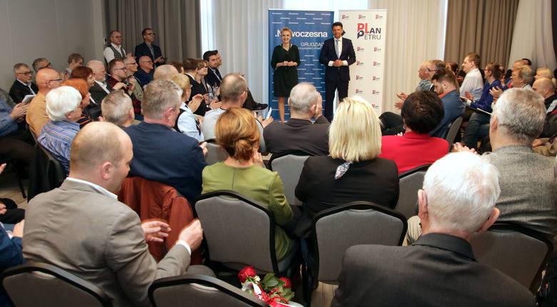 Spotkanie mieszkańców Grudziądza z czołowymi politykami Nowoczesnej: Ryszardem Petru i Joanną Scheuring - Wielgus odbyło się w hotelu Ibis. Poruszano