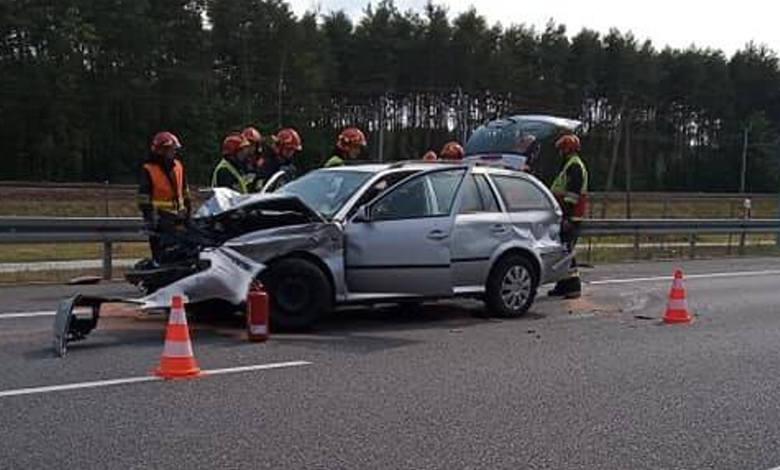 Wierzchosławice. Kompletnie pijany i pod wpływem narkotyków jechał autostradą A4 i spowodował wypadek. Kierowca osobowej skody jadąc od strony Brzeska