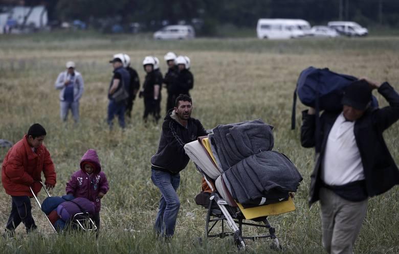 Będzie ultimatum dla Polski i Węgier. Unia chce zmusić kraje do przyjęcia uchodźców
