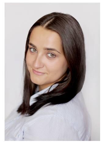 MONIKA FUJARCZUK, Nauczyciel klas I-III- Jestem nauczycielem i wychowawcą klasy I b w szkole podstawowej nr 3 w Praszce. Pod swoimi skrzydłami mam 22
