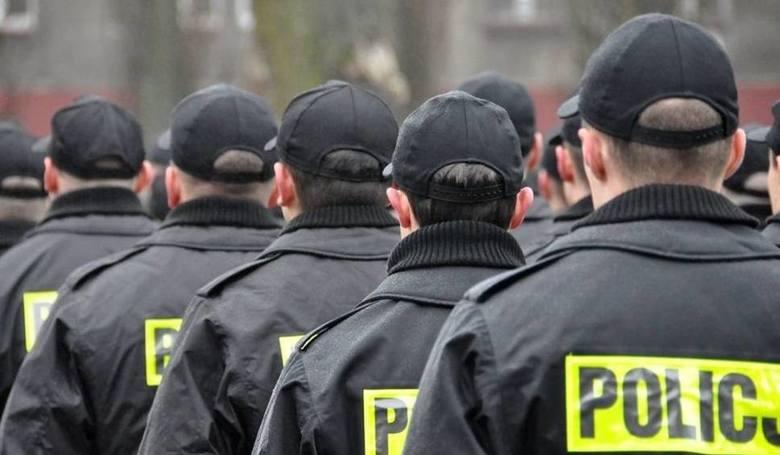 Policjanci w całej Polsce zakończyli protest. Związkowcy służb mundurowych doszły do porozumienia z przedstawicielami MSWiA. Minister Joachim Brudziński