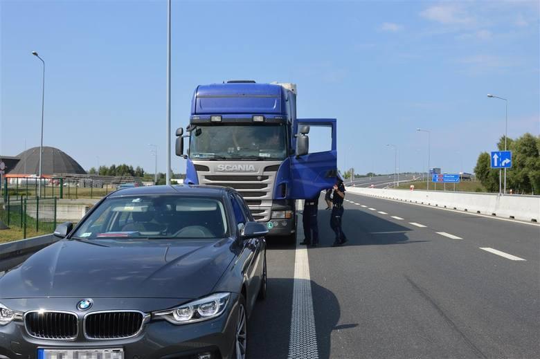 """Akcja """"TIR"""" na opolskim odcinku autostrady A4."""