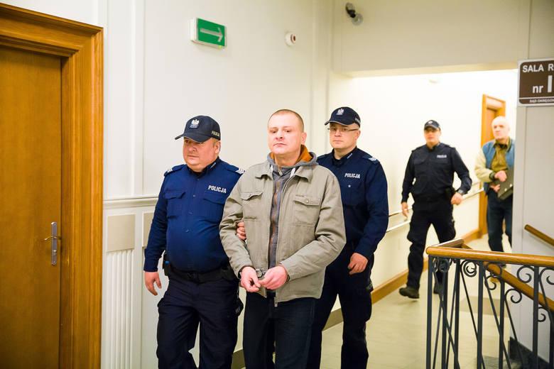 Oskarżeni to Mirosław Żukowski i Bogusław Weremski. Sąd zgodził się na publikację ich wizerunków i nazwisk