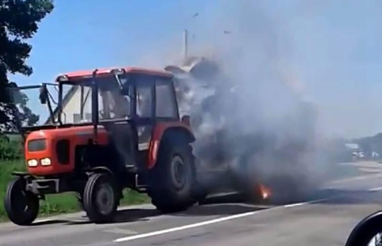 Trasa Wityny - Oracze. Traktor z płonącą przyczepą hitem sieci (wideo)