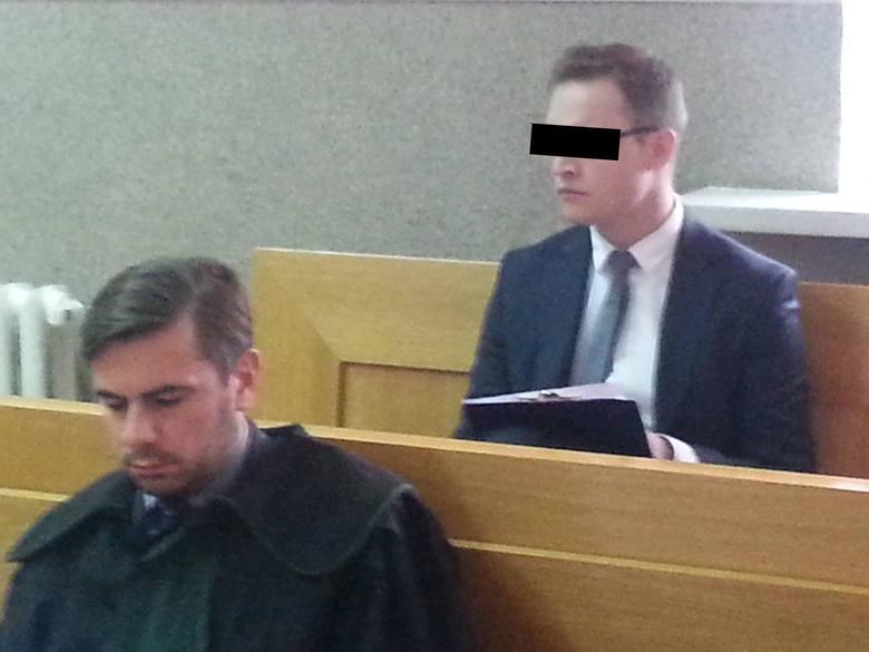 Na procesie 35-letniego b. asesora komorniczego Michała K., któremu prokuratura zarzuca m.in. bezprawne zajęcie ciągnika rolnikowi spod Mławy, w czwartek