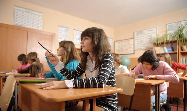 """""""Solidarność"""" oświatowa w Rzeszowie: """"nie"""" dla edukacji seksualnej, ideologii gender i LGBT w szkołach"""