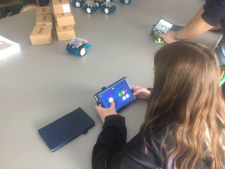 W szkole podstawowej nr 2 w Opolu uczczono Dzień Nowych Technologii w Edukacji
