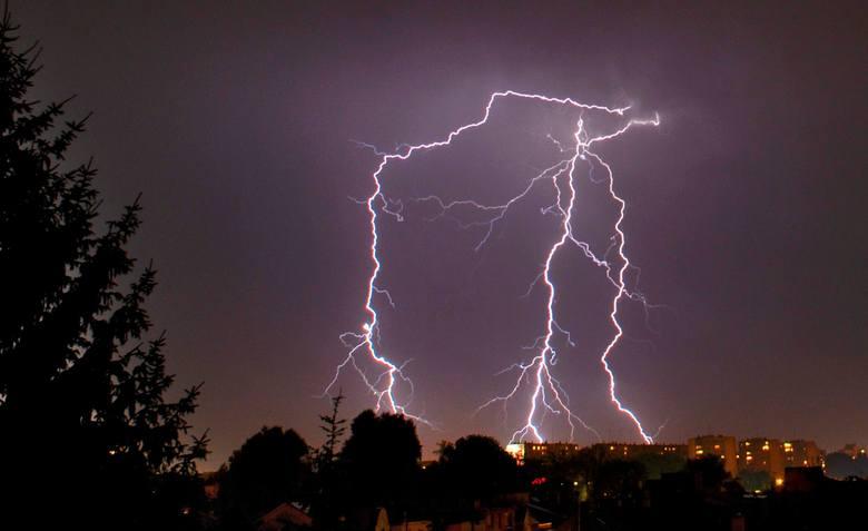 Burza w Polsce. Gdzie jest burza? Sprawdź przez Internet!ZOBACZ TEŻ: Pogoda w Poznaniu i Wielkopolsce - prognoza na dziś i jutro, prognoza długoterm