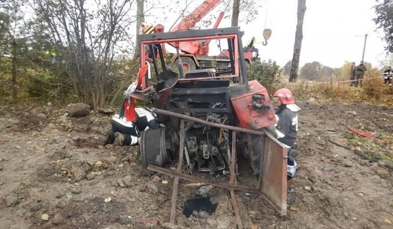 W październiku 2015 w miejscowości Piękne Łąki traktorzysta wykonując prace przy niwelacji gruntu wokół stawu najprawdopodobniej najechał na niewybuch