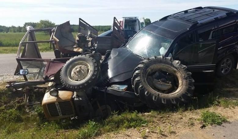 W czerwcu 2016  Włodzimierz Cimoszewicz na trasie Hajnówka-Kleszczele w okolicach Dubicz Cerkiewnych zderzył się z ciągnikiem rolniczym. Kierujący Ursusem