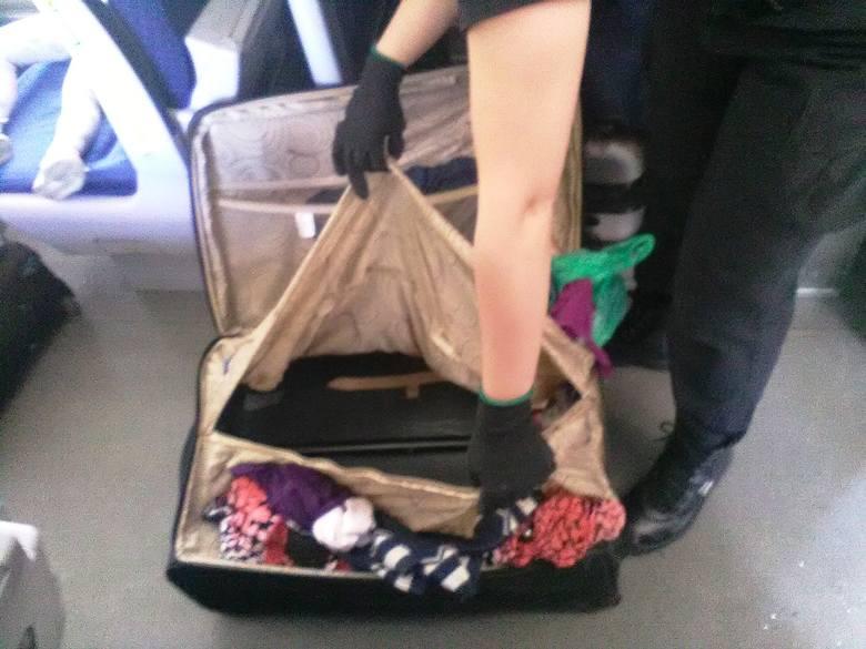 Ukrainka ukryła 8-letniego chłopca w walizce.
