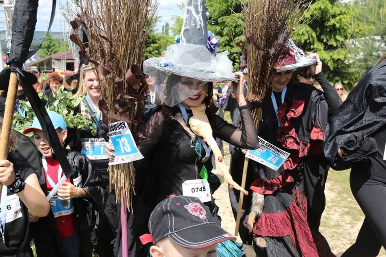 Współczesny zlot czarownic w świętokrzyskim Krajnie