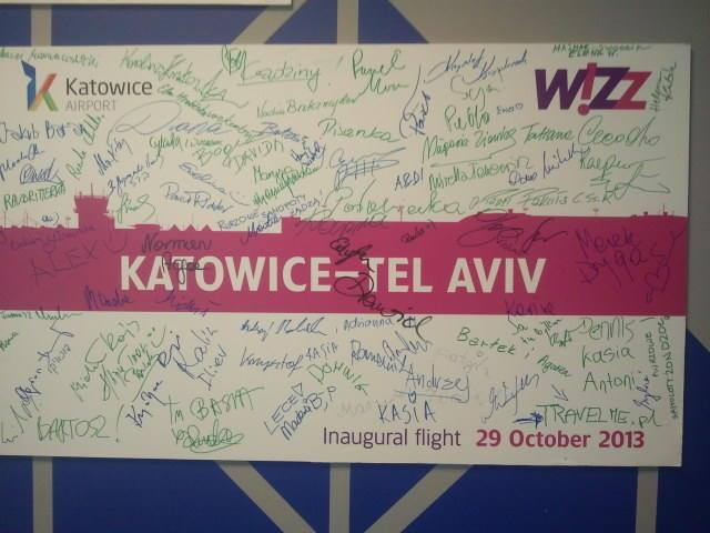 9 lipca 2013. Z Katowic zaczęły latać samoloty do Tel Awiwu. Potem połączenia wstrzymano, jesienią znów pojawiły się w wiosennym rozkładzie Wizz Air.