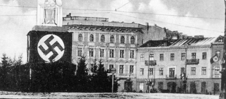 Tak wyglądała ulica Piotrkowska (w czasie II wojny światowej nazywała się Adolf Hitler-Strasse) w dniach 10-11 kwietnia 1040 roku