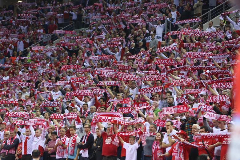 Polscy piłkarze ręczni w poniedziałek na Euro 2016 zagrają z Białorusią. Czy będą mieli po tym meczu powody do radości?fot. anna kaczmarz /  polska