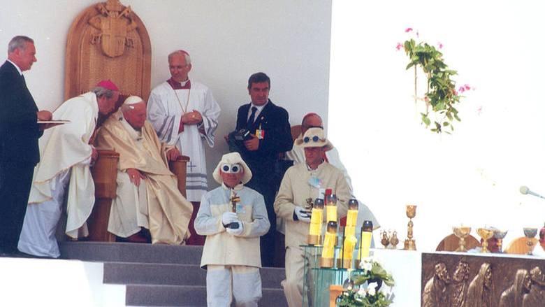 12 czerwca 1999 roku na zawsze zapisał się w historii Sandomierza - wtedy to miasto odwiedził Ojciec Święty. - Ze czcią pozdrawiam prastary Sandomierz