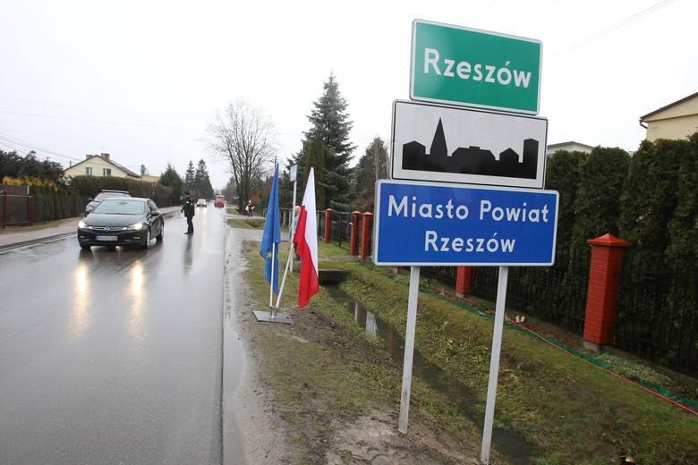 MSWiA jest przeciwne powiększeniu Krosna i Rzeszowa. Rekomenduje negatywne rozpatrzenie wniosków o zmianę granic obu miast