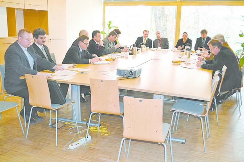 Do Rady Programowej należą przedstawiciele Konsulatu Niemiec w Opolu, Urzędu Marszałkowskiego i mniejszości.