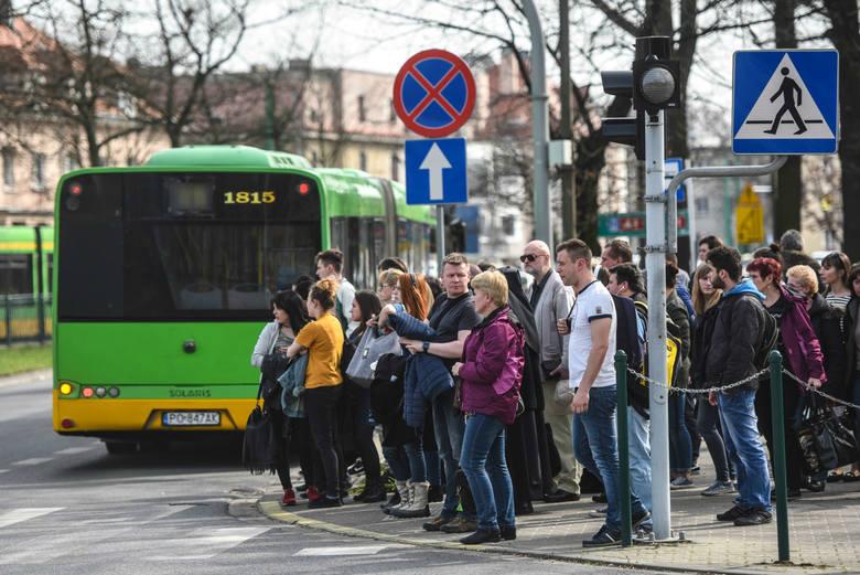 Sprawdziliśmy, które autobusy w Poznaniu spóźniają się najbardziej. Jak informuje ZTM Poznań, średni wskaźnik punktualności dla autobusów w październiku