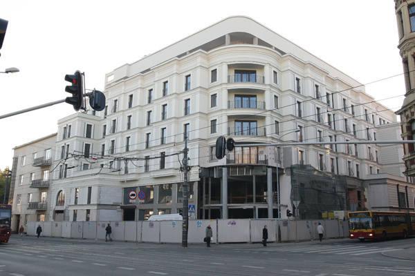 Hotel na rogu ul. Piotrkowskiej i ul. Radwańskiej powinien zostać otwarty pod koniec marca 2012 r.